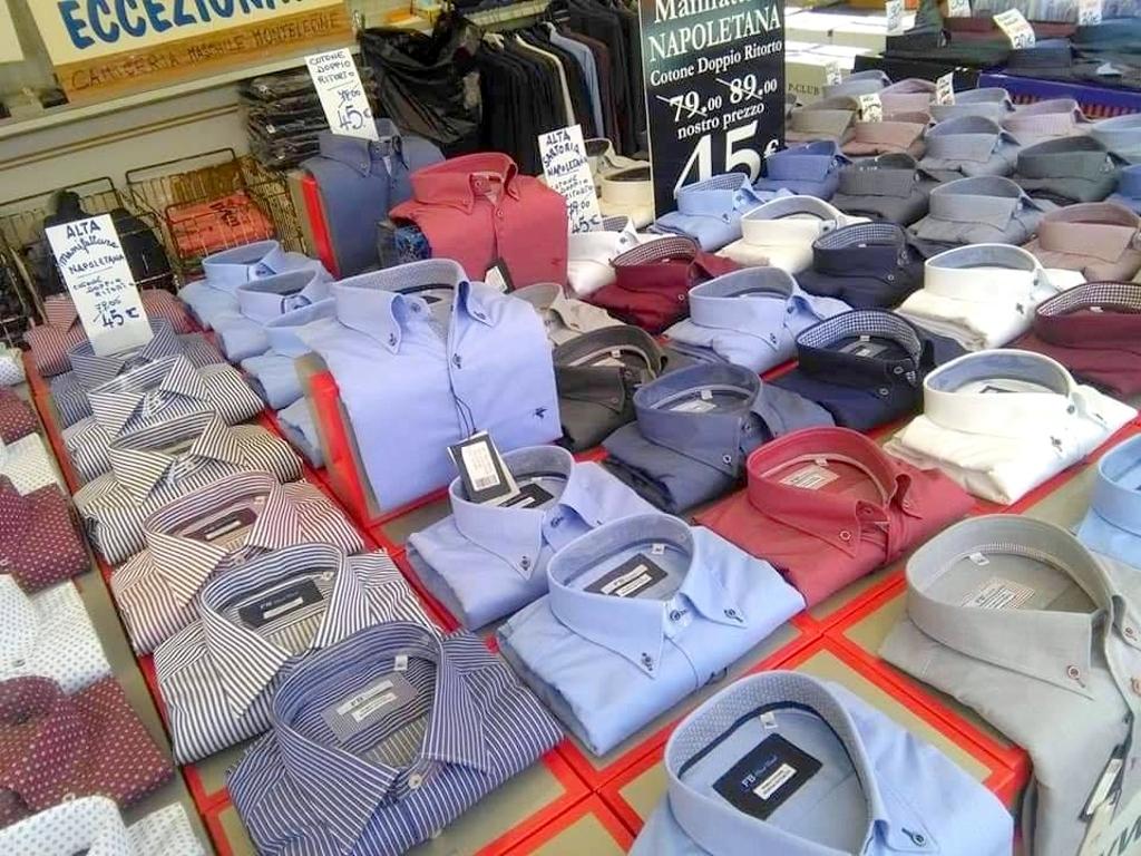 Calendario Mercato Forte Dei Marmi 2020.Appuntamento Con Lo Shopping Gli Ambulanti Di Forte Dei