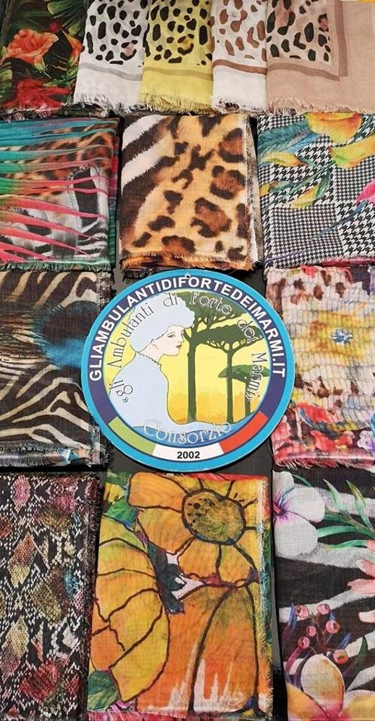 Il Mercatino Di Forte Dei Marmi Calendario 2020.Appuntamento Con Lo Shopping Gli Ambulanti Di Forte Dei