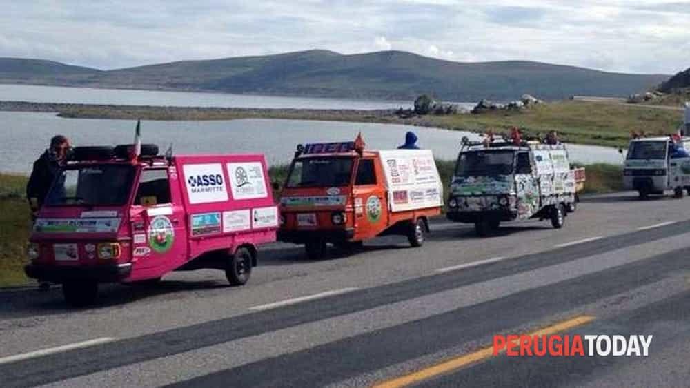 4000 km di solidarietà: apeggiando per l'italia-2