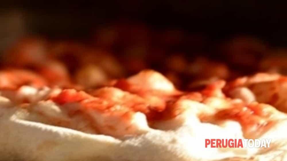 la ricetta per imparare a fare una pizza di qualità? potete apprenderla nelle giornate in-formative dell'accademia antico fienile di trevi.-4