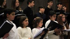 Coro di voci bianche del Morlacchi (Artemisia è la prima a destra)-2
