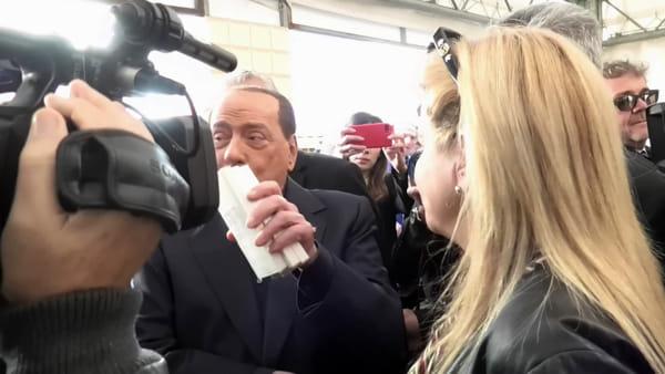 """VIDEO Elezioni regionali, Berlusconi: """"Ricostruzione post sisma, una cosa scandalosa"""""""