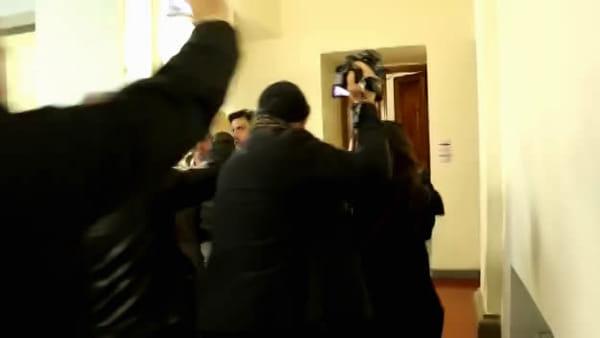 VIDEO - L'ora della verità. La presidente Marini arriva a Palazzo Cesaroni