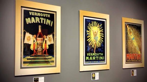 """Al Valdichiana Outlet Village la mostra """"Mondo Martini: la pubblicità come percorso di stile"""""""
