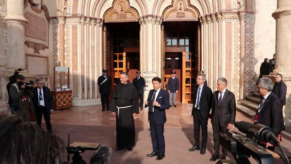 """VIDEO Manifesto di Assisi, il presidente Conte: """"Assisi osservatorio mondiale per le svolte a tutela dell'ambiente"""""""