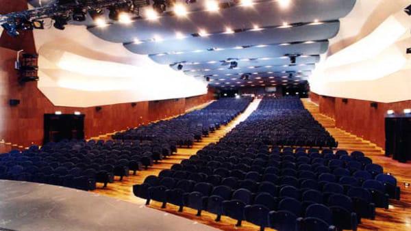 Uno dei cantanti più amati d'Italia in concerto al teatro Lyrick