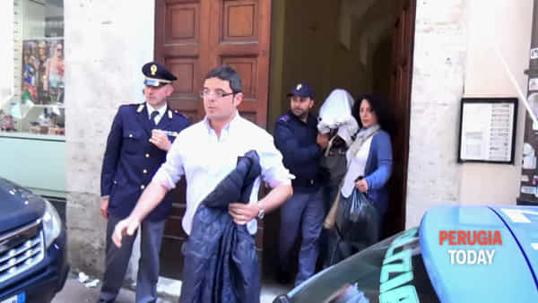 VIDEO: Anziana morta in casa in Via Oberdan, indaga la polizia