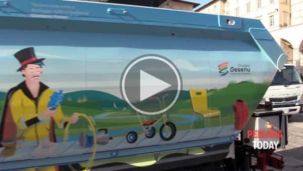 VIDEO - Gesenu, un tuffo nell'arte: presentata la nuova flotta di veicoli a impatto zero, dipinti da illustratori di fama nazionale