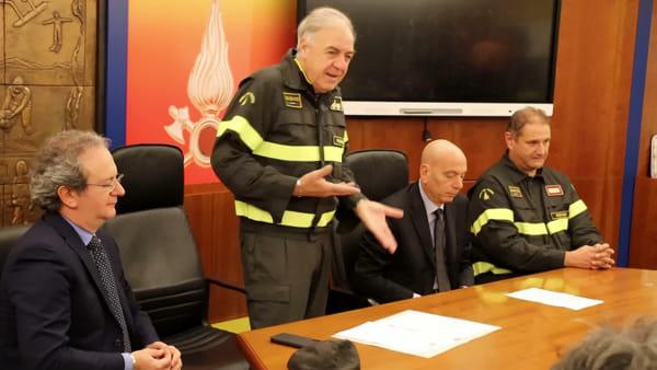 VIDEO La solidarietà dei vigili del fuoco arriva in Kosovo: donate 450 divise