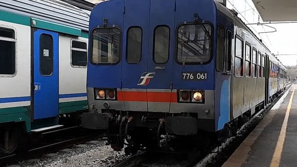 """VIDEO #FerroGommaShow - La manutenzione dei treni umbri finisce ad Ancona: """"Effetti collaterali? Danno all'occupazione e orari ballerini"""""""
