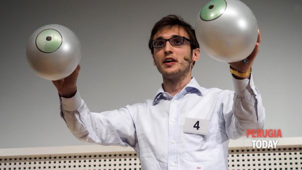 VIDEO: Famelab Italia 2015, la performance di Federico Fortuni