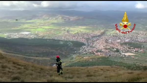 VIDEO Gualdo Tadino, scompare nel nulla: ricerche sul monte Serrasanta, le immagini