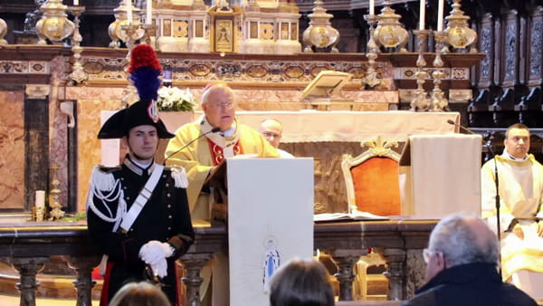 VIDEO Carabinieri in festa per la Virgo Fidelis, all'abbazia di San Pietro la messa solenne