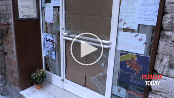 "VIDEO Spaccata in Via dei Priori, la rabbia del proprietario: ""Ci sentiamo violati, centro storico preso di mira"""