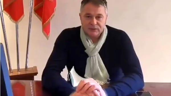 """VIDEO Il sindaco di Foligno chiude due parchi: """"Comportamenti scorretti, sono pronto a farlo ancora se serve"""""""