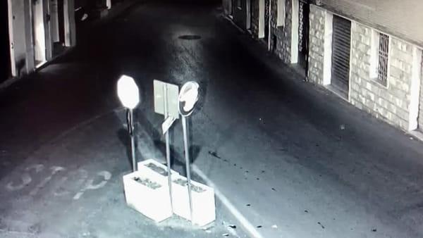 VIDEO Castiglione del Lago, vandali incastrati dalle telecamere: le immagini