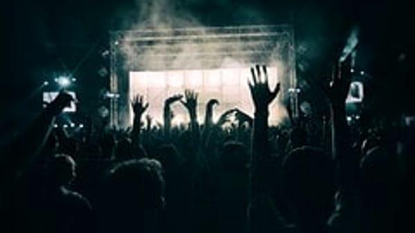 Sale l'attesa per il concorso musicale di band emergenti a Trevi:ospite d'onore il grande Mogol