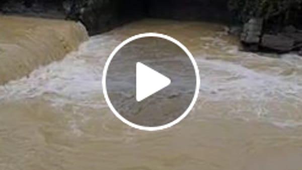 VIDEO Lago Trasimeno, dopo l'estate di fuoco, le piogge ridanno vigore e centimetri: immissari in piena