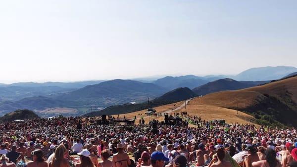 VIDEO Marco Mengoni al Parco del Monte Cucco, la magia del concerto