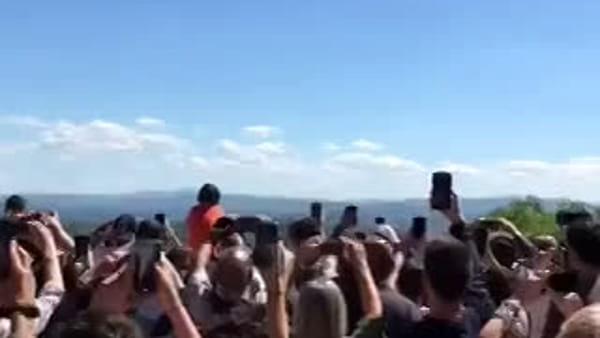 VIDEO (bellissimo) L'entusiasmo dei perugini e lo spettacolo delle Frecce Tricolori in centro