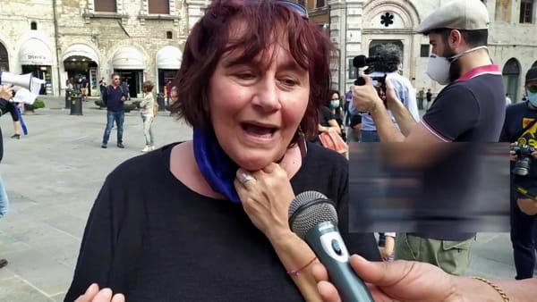 """VIDEO Scuola, la protesta in piazza: """"Torniamo in classe e in sicurezza"""""""