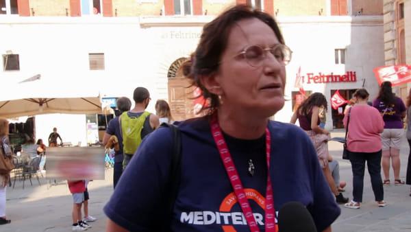 """VIDEO Ritorno a scuola: docenti, studenti e famiglie protestano anche a Perugia: """"Linee guida inaccettabili"""""""