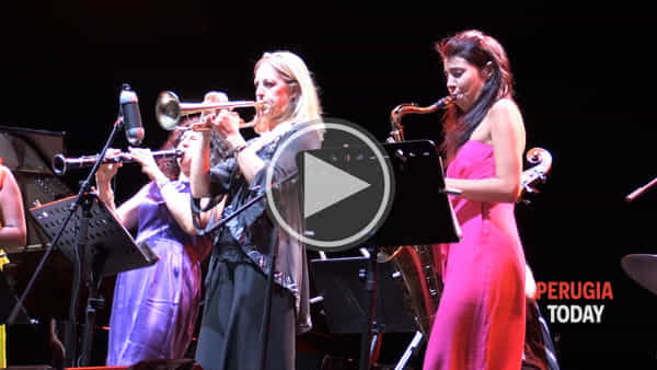 VIDEO Umbria Jazz, serata tutto al femminile all'Arena Santa Giuliana con la musica delle Ladies!