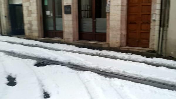 VIDEO La Nevicata di Primavera: ore 6,30 della mattina Gualdo Tadino coperta da 10 centimetri di neve