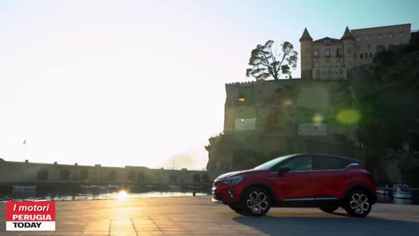 VIDEO - Nuova Renault Captur, il suv francese cresce e si rinnova