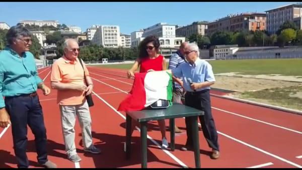 VIDEO Un defibrillatore per il Santa Giuliana, la donazione dell'associazione Cuor di Leone