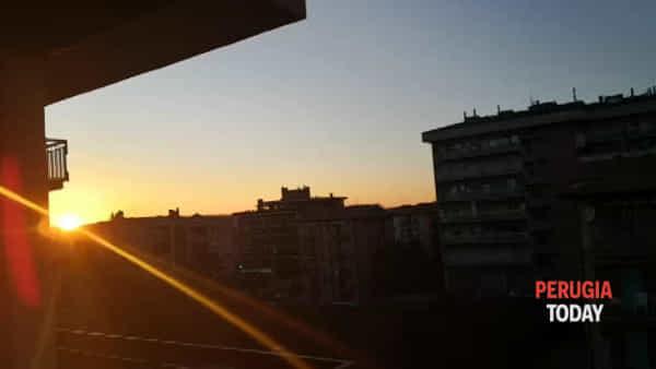 VIDEO Coronavirus, a San Sisto al tramonto risuona l'Inno d'Italia
